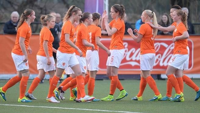 A Holanda vai começar por defrontar a anfitriã Eslováquia. ©Sportpix.be