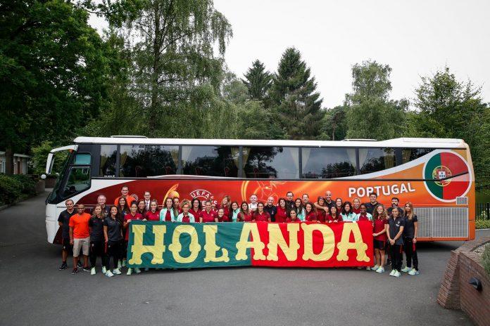 As-miúdas-giras-que-dão-uns-toques-na-bola-696x464 Portugal na Holanda